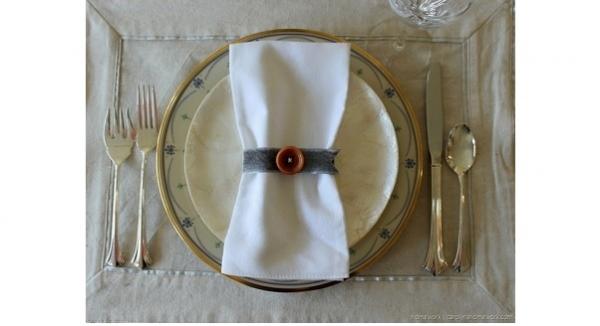 Tutorial: Vintage button napkin rings