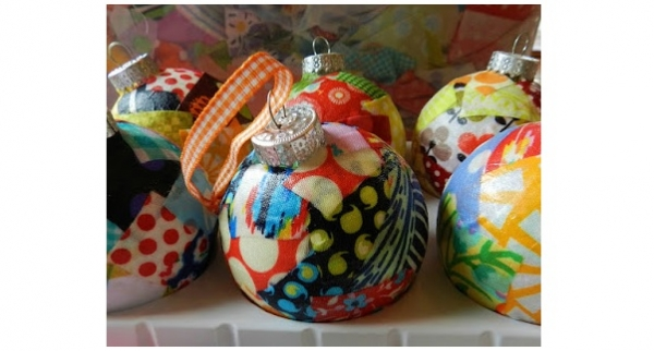 Tutorial: Scrap fabric ornaments