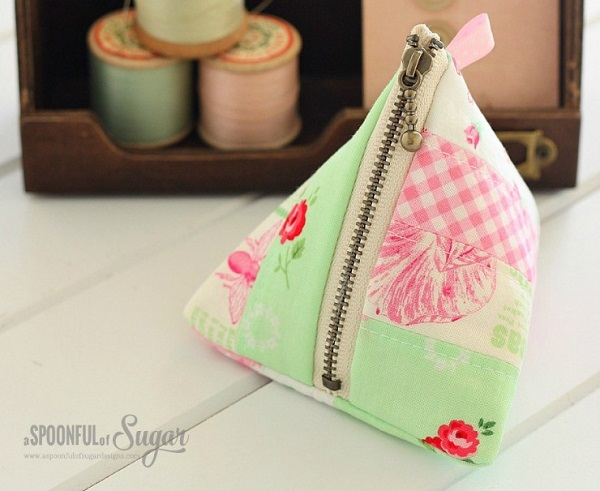 Tutorial: Patchwork triangle pouch