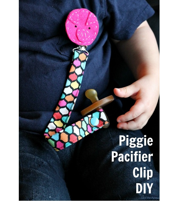 Tutorial: Piggie Pacifier Clip
