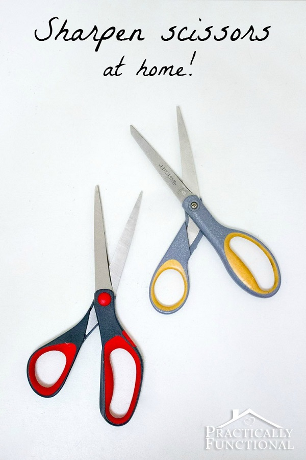 Tutorial: Sharpen your scissors with household items