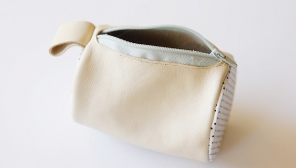 Tutorial: Round leather zipper pouch