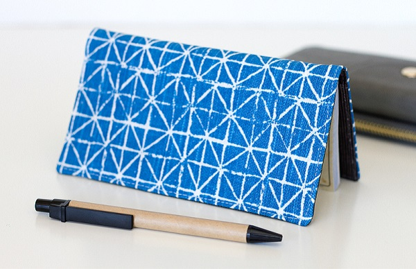 Tutorial: Fabric checkbook cover