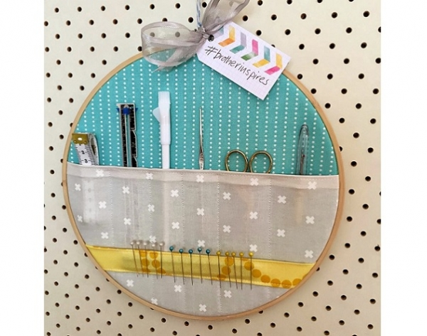 Tutorial: Embroidery hoop sewing storage pockets