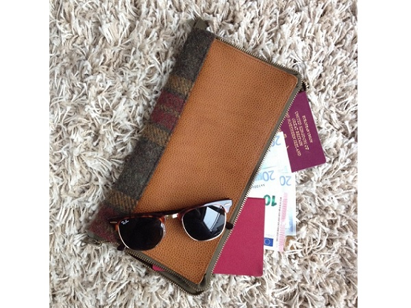 Tutorial: Leather and tweed travel wallet