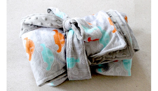 Tutorial: Roll-up Minky baby blanket