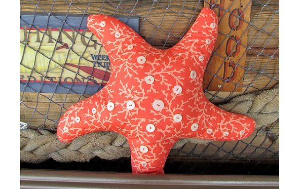Free Pattern: Starfish pillow
