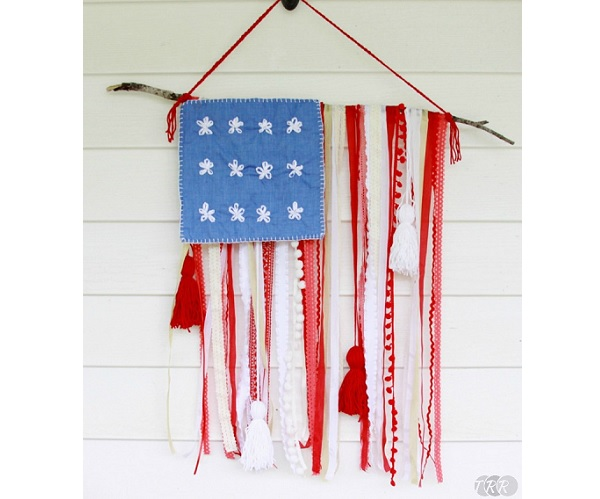 Tutorial: Rustic flag banner from lace and ribbon