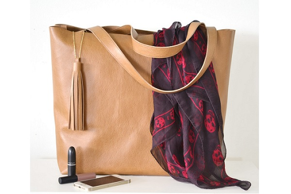 Tutorial: Leather tote with tassel