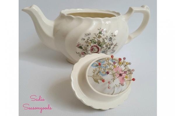 Tutorial: Pincushion in a teapot