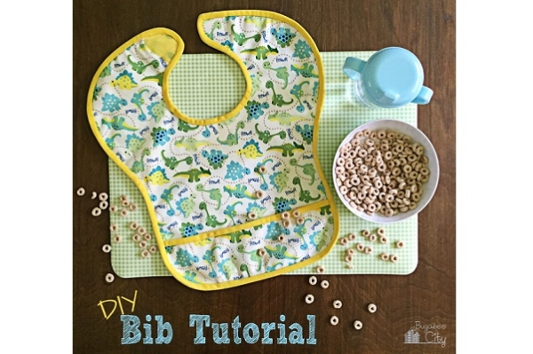 Free pattern: Waterproof pocket baby bib
