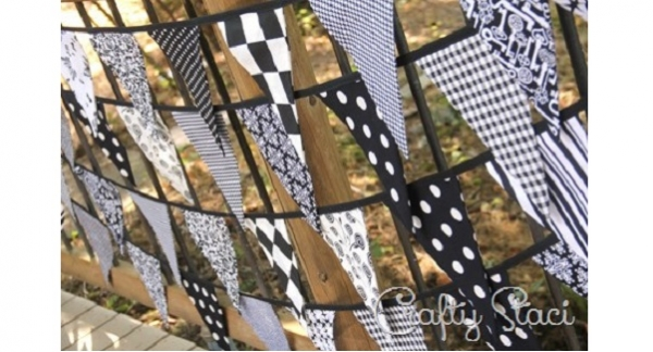 Tutorial: Make lots of fabric bunting fast with this streamlined method