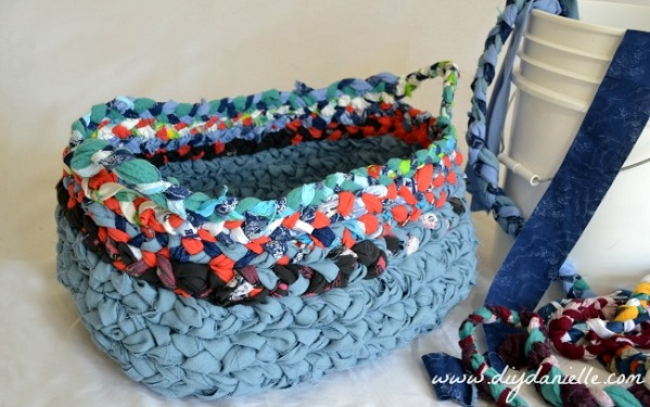 Tutorial: Simple braided fabric basket