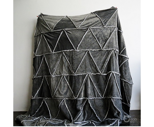 Tutorial: Cozy triangle fleece blanket