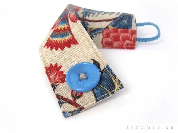 Tutorial: Easy upholstery fabric bracelet