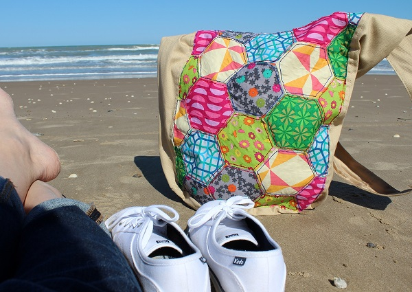 Tutorial: No-sew faux hexagon quilt tote