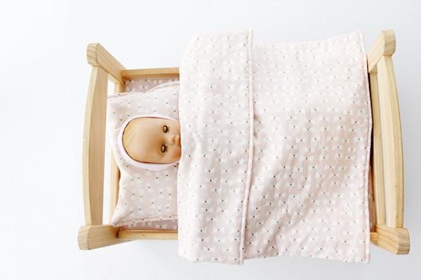 Tutorial: IKEA doll bed sheet set