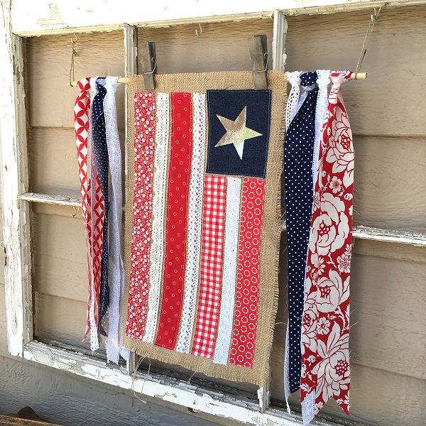 Tutorial: Burlap and lace flag banner
