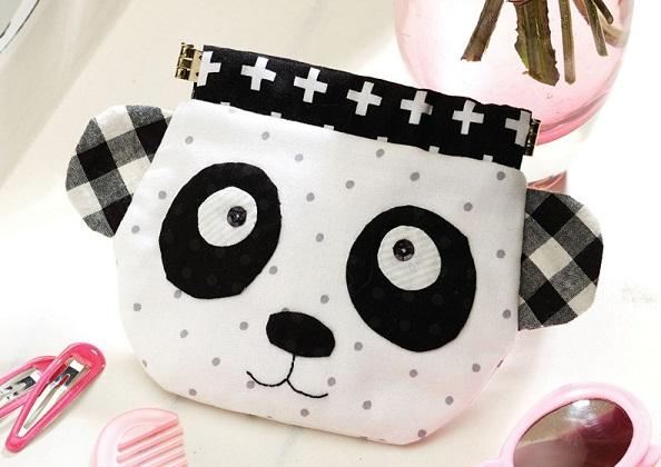 Free pattern: Panda pinch purse