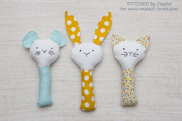 Free pattern: Cat, mouse, or bunny baby rattle