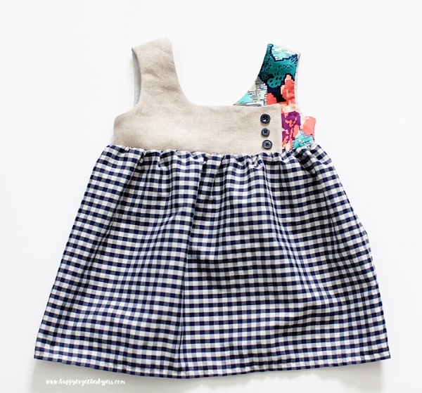 Free pattern: August Dress for girls