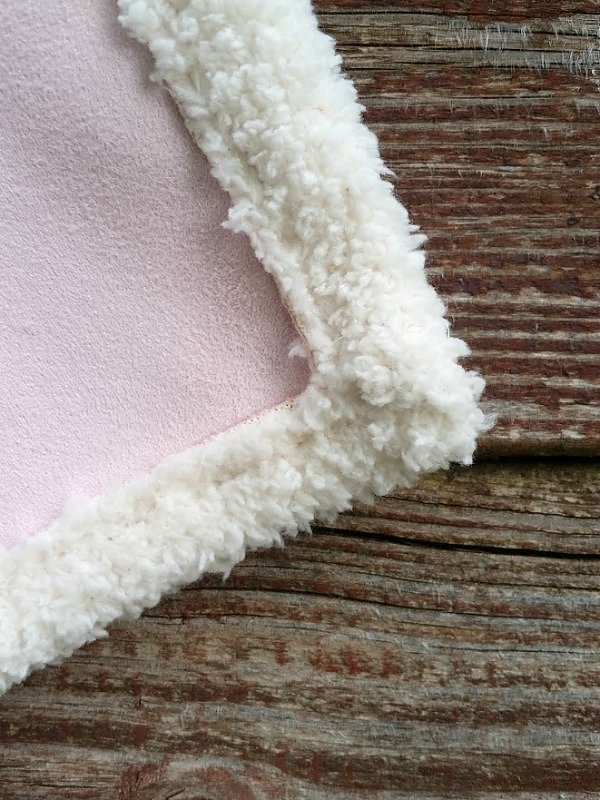 Video tutorial: Easy blanket from double sided fabric