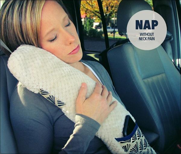 Tutorial: Road trip seatbelt pillow