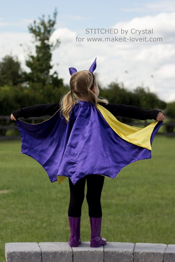 Tutorial: Make a reversible Halloween cape in just an evening
