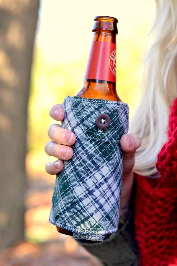 Tutorial: Upcycled flannel shirt drink bottle cozy