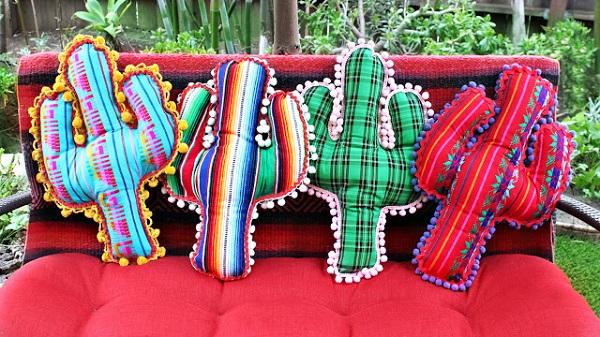 Tutorial: No-sew cactus pillows