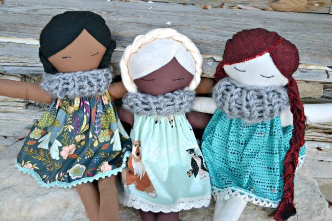 Free pattern: Fabric doll and dress