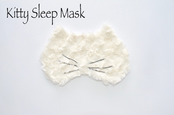 Free pattern: Kitty cat sleep mask