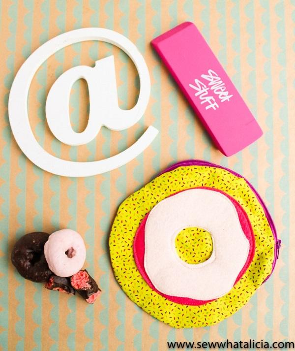Tutorial: Sew a circular zip pouch