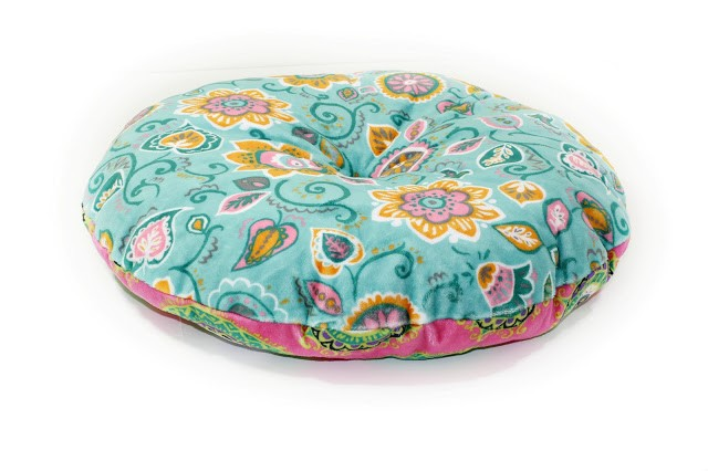 Free pattern: Tufted circle cushion in 11 sizes