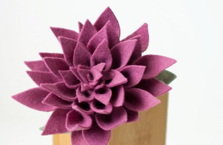 Video tutorial: Felt dahlia