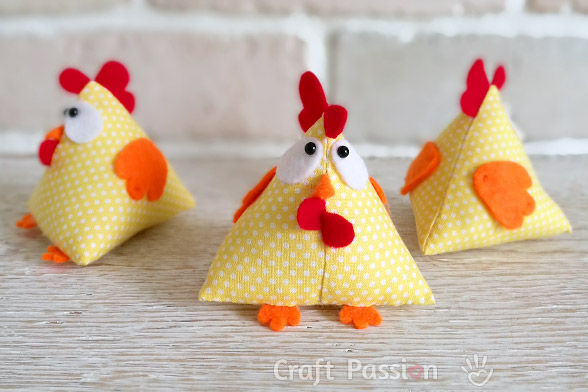 Free pattern: Lucky Chicken softie