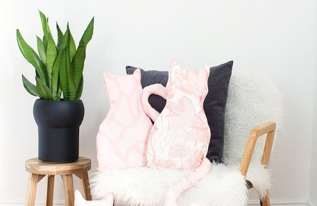Tutorial with pattern: Cat pillow