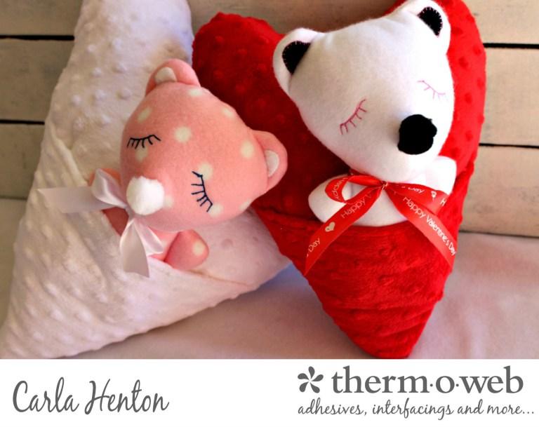 Free pattern: Sleepy bear softie in a heart pocket pillow