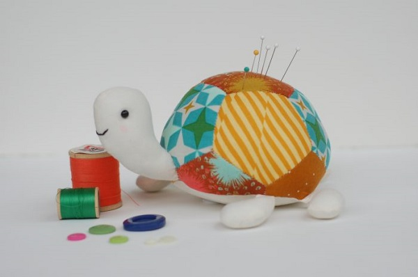 Tutorial and pattern: Tilly the Turtle softie or pincushion