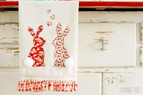 Tutorial and pattern Sweet bunny ruffle dishtowel