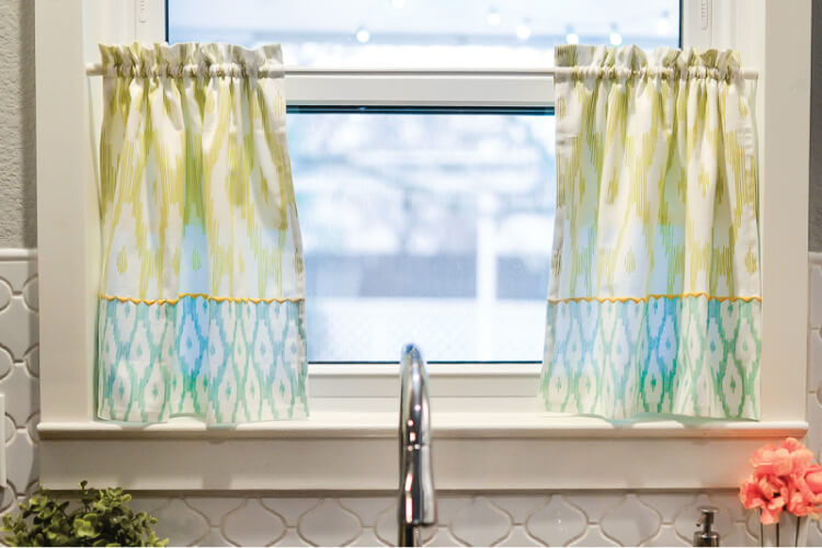 Tutorial: Make cafe curtains from tea towels