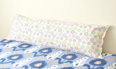 Tutorial: Body pillow cover and insert & Tutorial: Body pillow cover and insert \u2013 Sewing pillowsntoast.com