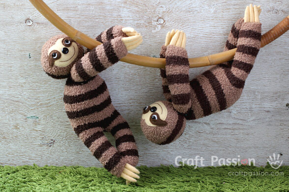 Tutorial and pattern: Sloth sock softie