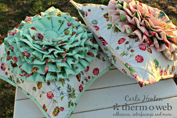 Tutorial: Ruffle flower pillow cover