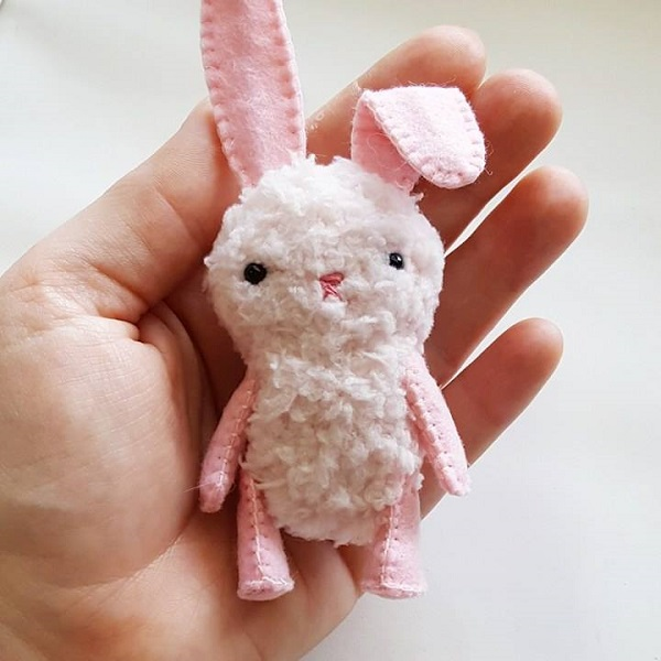 Tutorial and pattern: Itty bitty bunny softie