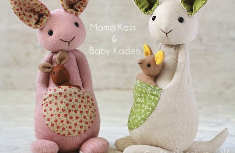Pattern and tutorial: Sock kangaroo softie