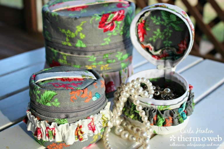 Tutorial: Sew a small travel jewelry box