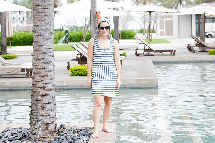 Tutorial and pattern: Womens hooded swim cover up