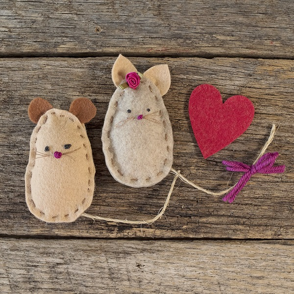 Tutorial and pattern: Felt mouse