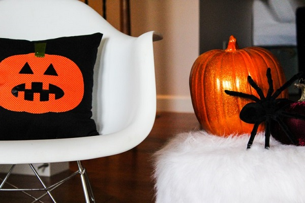 Tutorial: Jack O Lantern throw pillow